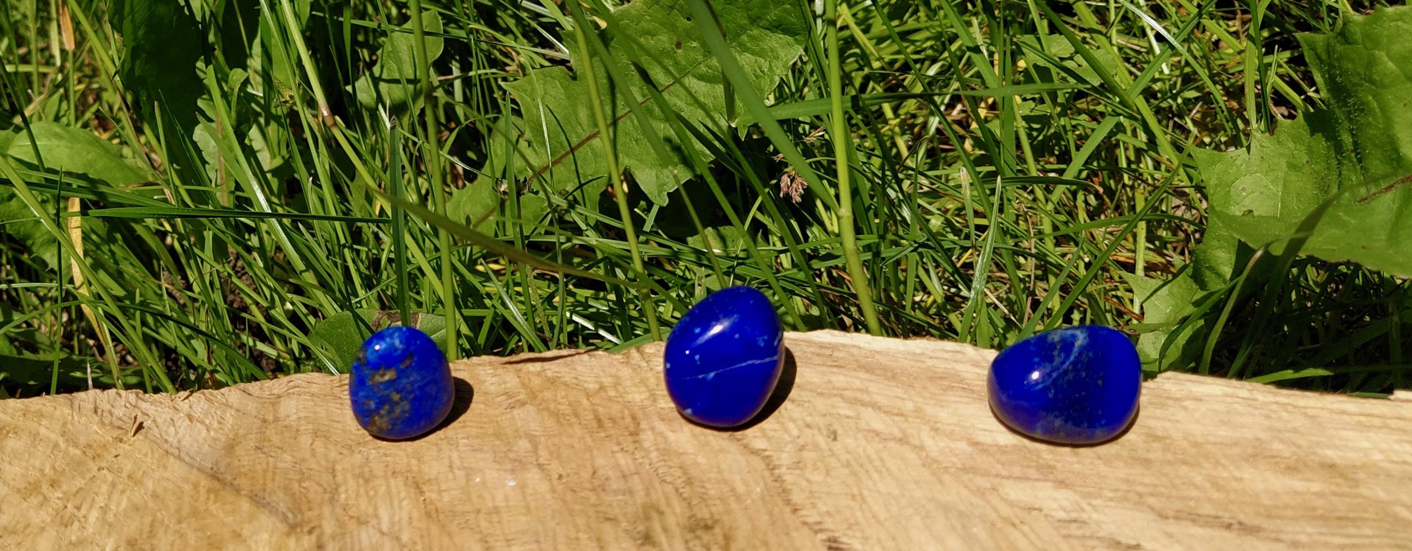 Čištění a nabíjení kamenů – Lapis lazuli