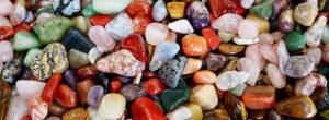 Jak čistit a nabíjet drahé kameny