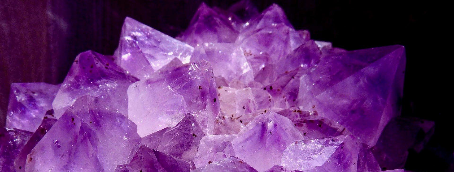 Jak využít drahé kameny na očistu těla a mysli?